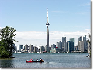 Toronto's CN Tower in the Summer